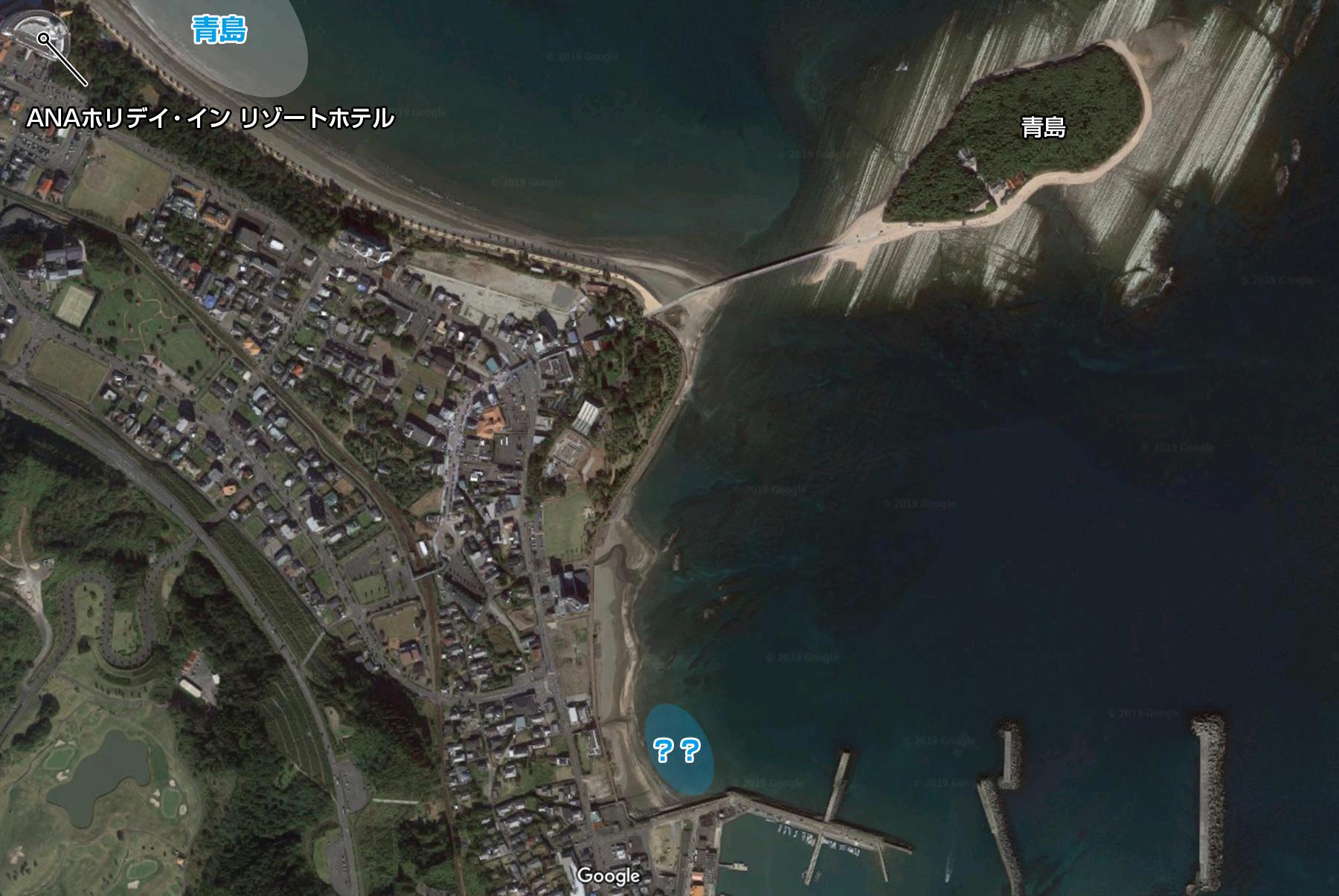 漁港横のサーフポイント